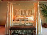Dormitor cu baldachin