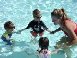 Cum iti ajuti copilul sa-si invinga frica de apa