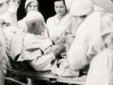 Chirurgi pentru propriul corp: 4 operatii incredibile in care pacientul a devenit medic