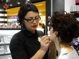 Expertul Acasa.ro Simona Popovici, make-up artist: Tendintele sezonului primavara-vara 2014 - Invata sa te machiezi singura in 20 de minute!