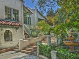 Case de vedete: Jared Padalecki si locuinta sa rustica, in stil spaniol, de 2,4 milioane dolari