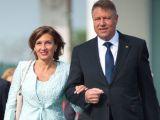 Carmen Iohannis i-a luat fata sotului ei
