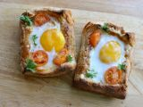 Tart quick with eggs  , meshes mozzarella and cherry tomatoes