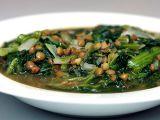 Supa cu linte, spanac si lamaie, ideala pentru zilele friguroase de iarna