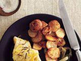 Cod cu ceapa verde si cartofi noi, un preparat rapid si savuros