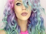 Suvite colorate in trei minute! Vopseste-ti parul in culorile curcubeului VIDEO