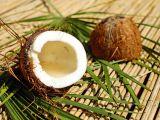 Cum sa cureti nuca de cocos fara efort
