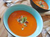 Supa crema de rosii, o delicatesa la final de vara