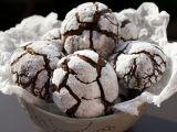 Biscuiti Crinkles cu ciocolata pentru petrecerea de Craciun