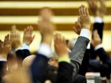 THE END. OUG 13 si OUG 14, vot final astazi in Parlament