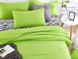 Cum trebuie sa fie lenjeria de pat pentru a avea o atmosfera placuta in dormitor?