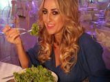 Salata de mazare cu halloumi, recomandata de Florentina Opris