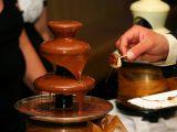 Cum poti scoate petele de ciocolata de pe textile! Doua trucuri utile