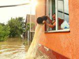 Vijeliile au facut prapad in tara! Mii de gospodarii fara curent electric si inundate