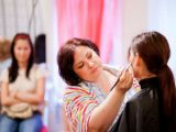 Expertul Acasa.ro, Monica Zainescu, make-up artist