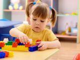 Cum se joaca copilul cu autism