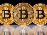 Bitcoin vs. cash: Top beneficii ale platilor in Bitcoin