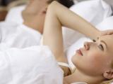 Calculatorul somnului: cate ore trebuie sa dormim pe noapte si pe ce parte