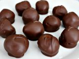 Desert delicios, de post! Cum sa prepari cele mai bune bomboane de ciocolata