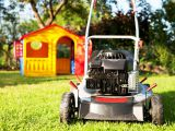 Motocositoare sau masina de tuns iarba: care este diferenta