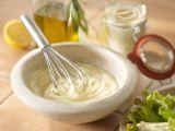 Cum sa prepari maioneza de post. 5 retete simple pe care trebuie sa le incerci