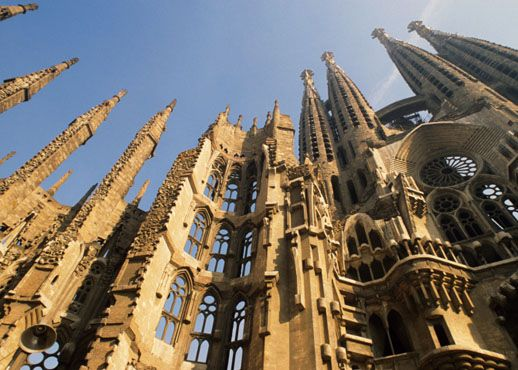 Vrei sa castigi un sejur la Barcelona?