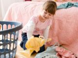 Cum sa iti convingi copilul sa isi faca ordine in camera