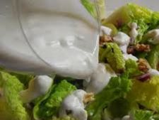 Sos din branza albastra pentru salata