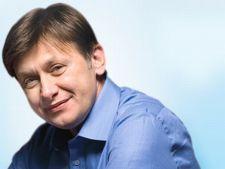 Alegeri parlamentare 2012: Viorel Catarama candideaza impotriva lui Crin Antonescu