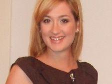 Suzana Visan, expert acasa.ro: Machiajul este o arta si o terapie pentru suflet!