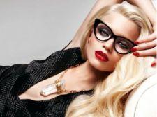 Trucuri de machiaj pentru femeile care poarta ochelari