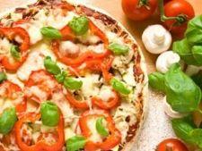 Pizza cu legume coapte