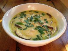 Supa de pui cu lapte de cocos
