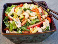 Salata satioasa cu pui