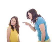 Copilul abuzat fizic poate deveni un adult cu probleme medicale