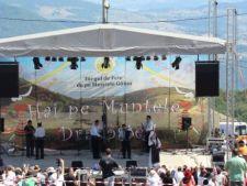Muzica si voie buna, in acest weekend, la Targul de Fete de pe Muntele Gaina
