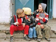 Saracie severa pentru minorii din Romania: 8% dintre acestia traiesc cu mai putin de 15 lei pe zi