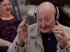 Rezultate extraordinare pentru pacientii cu Alzheimer care urmeaza terapia prin muzica