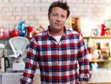 Bucatari celebri: Jamie Oliver te invata sa prepari cea mai buna placinta cu peste