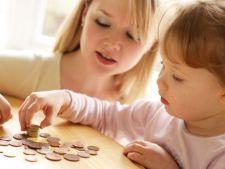 Cum sa faci fata cheltuielilor lunare cand cresti un copil