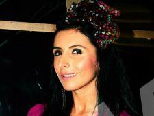 Expertul Acasa.ro, fashion designerul Ana Maria Cornea: Cum alegem rochia perfecta de Revelion?