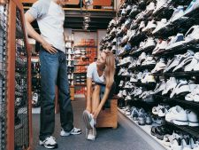 How will you choose the     sport shoes suitable for activities physical on the that you practices