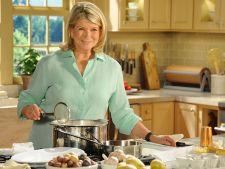 Bucatari celebri: Martha Stewart te invata sa prepari supa de ceapa frantuzeasca clasica