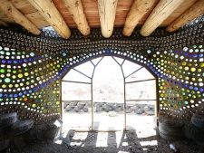 Earthship sau cum sa ai casa visurilor tale din materiale reciclabile