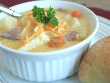 Supa delicioasa cu sunca si cartofi