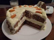 O reteta fara faina pentru sanatatea si silueta ta: tort de morcovi cu mascarpone