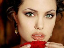 Dieta minune a Angelinei Jolie. Slabeste 4 kilograme in 3 zile