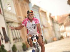 A strabatut 13 tari pe bicicleta. La 70 de ani a facut turul Romaniei in doua saptamani