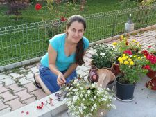 Tutorial: Cum sa creezi un aranjament floral rustic in 3 pasi!