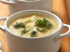 Supa de broccoli cu branza, un deliciu in zilele friguroase de iarna